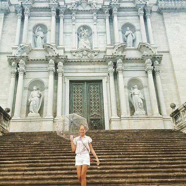 Катя Осадчая показала стройную фигуру на отдыхе в Испании