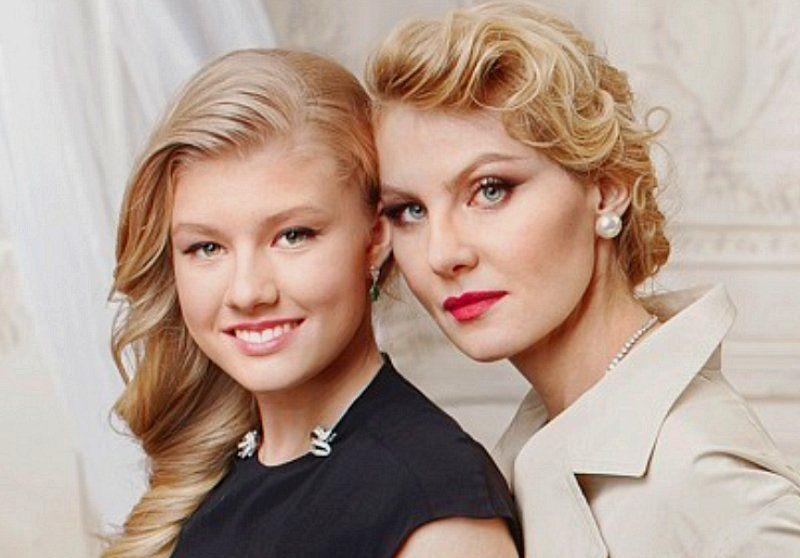 Рената Литвинова и ее дочь Ульяна