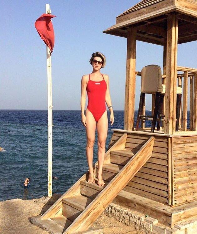 Молодая мама Анита Луценко показала сногсшибательный пресс на отдыхе в Египте