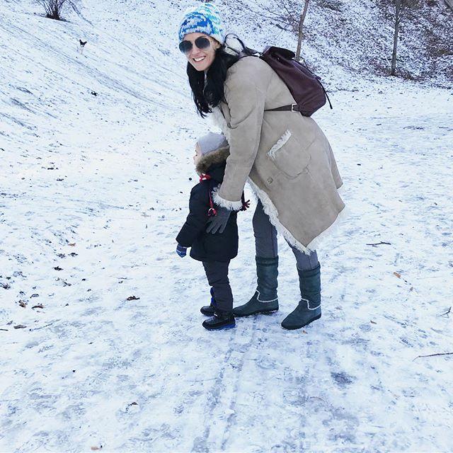 В очках и с крошечной дочкой: Маша Ефросинина опубликовала фото 12-детней давности