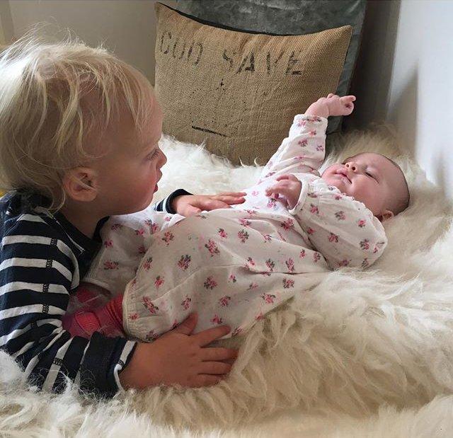 Цветы жизни: Лив Тайлер поделилась милыми фото детей