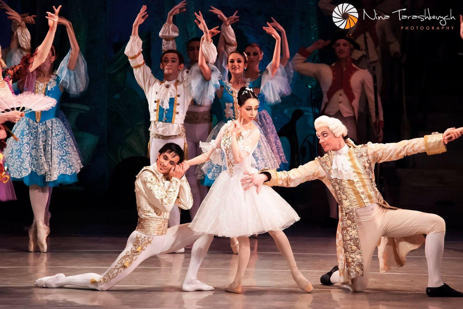 Звезды балета Александр Стоянов и Екатерина Кухар сыграли свадьбу в Монреале