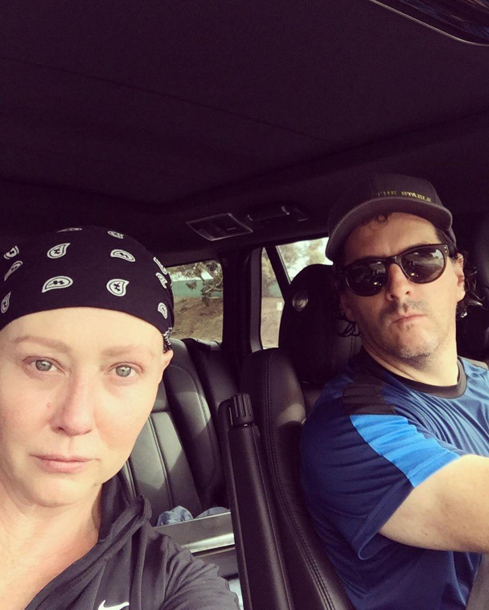 Не унывая: больная раком Шэннен Доэрти снимается в фильме в парике