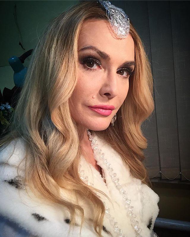 Красива в любом возрасте: 50-летняя Ольга Сумская восхитила поклонников новым селфи