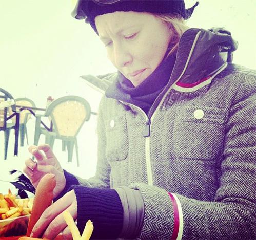 Ксения Собчак с сосиской