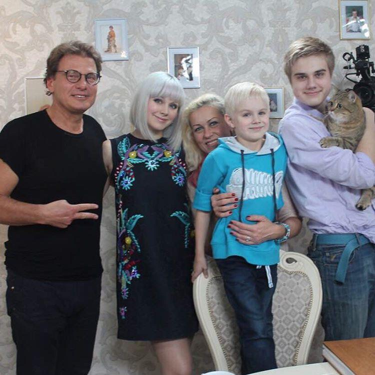 42-летняя певица Натали беременна третьим ребенком
