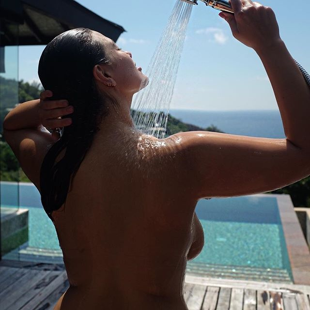 Смело: модель plus-size Эшли Грэм разделась и рассказала о целлюлите