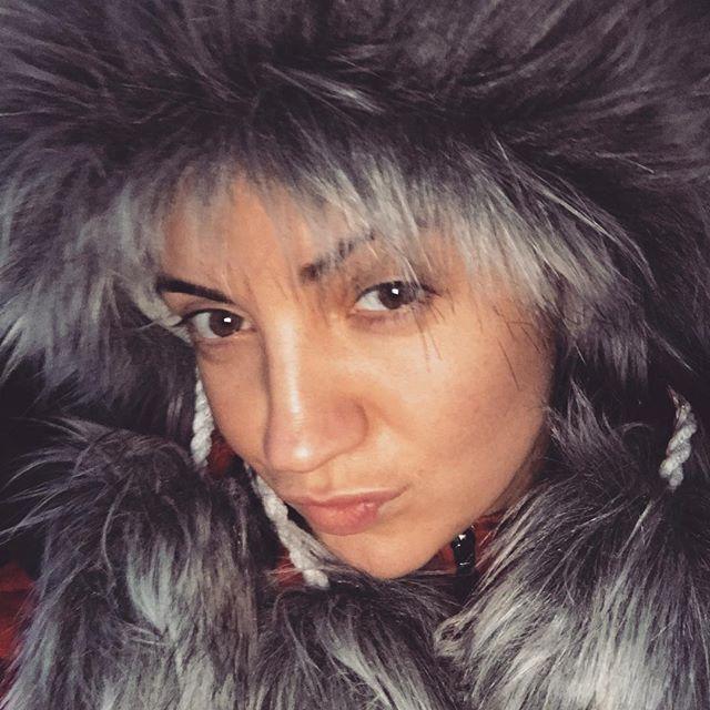 Естественное начало года: Оля Цибульская показала лицо без макияжа