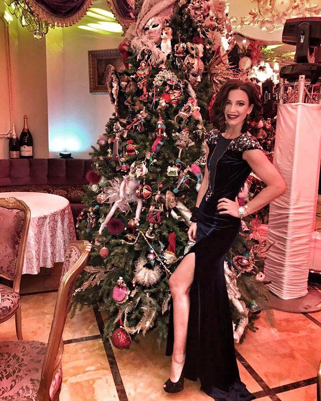 Как у Джоли: Ольга Бузова похвасталасть роскошным нарядом
