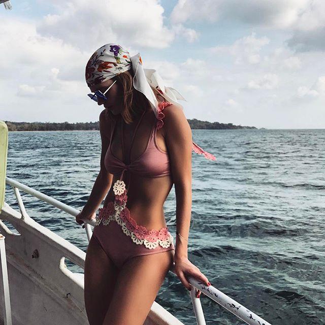 Горячо: сексуальная Глюкоза показала идеальную фигуру на пляже