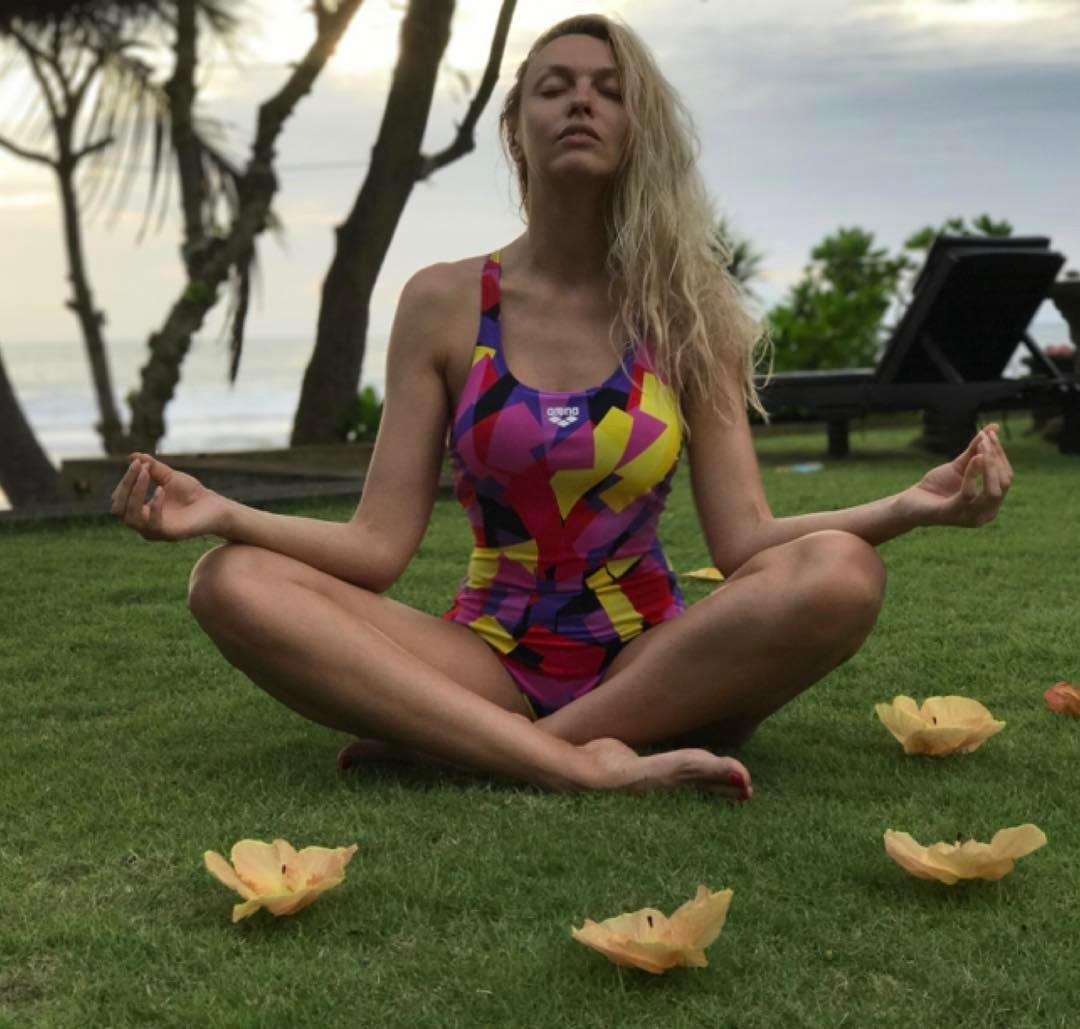 Фигура мечты: Оля Полякова восхищает стройной фигурой на Бали