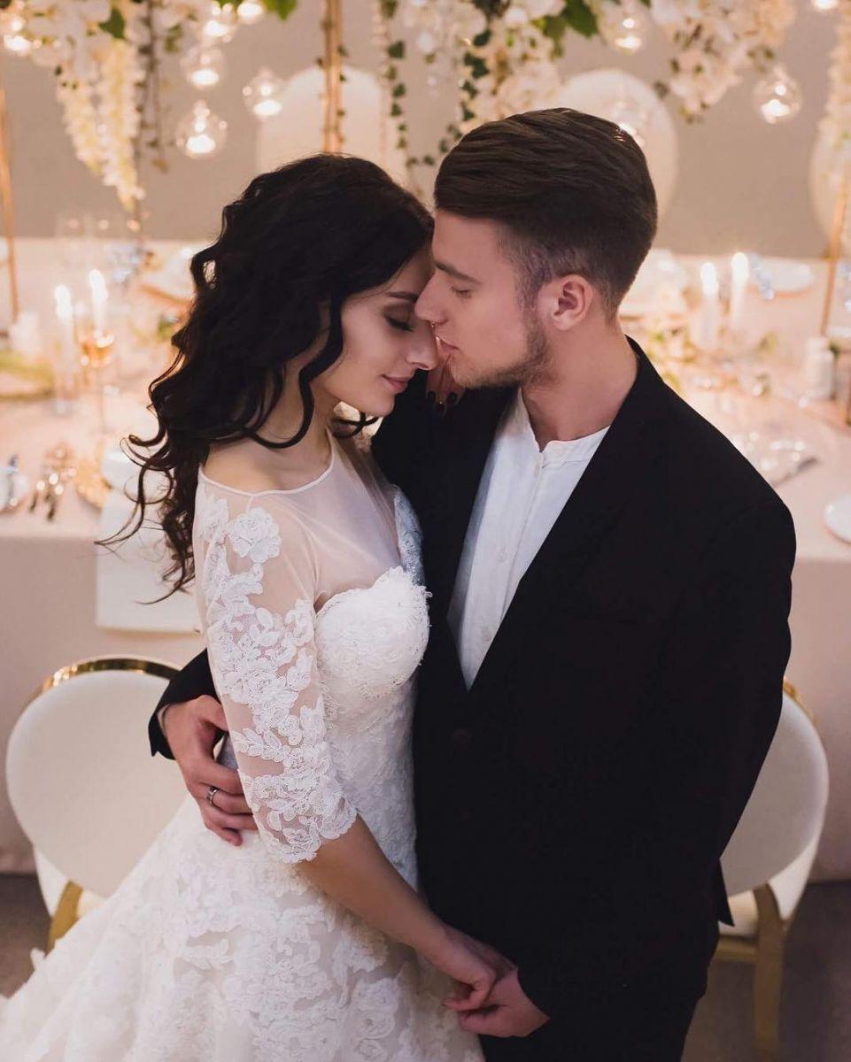 Роза Аль-Намри поделилась нежным свадебным фото со своим возлюбленным