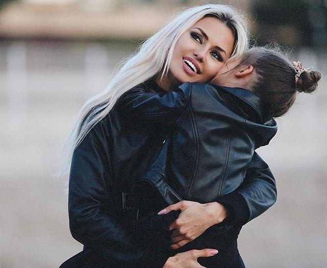 Когда счастлива до невозможности: Виктория Боня растрогала поклонников снимком с дочерью