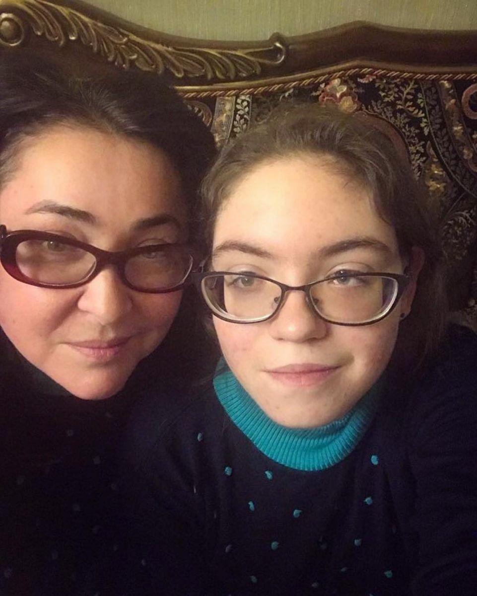 Как две капли воды: Лолита Милявская показала взрослую дочь