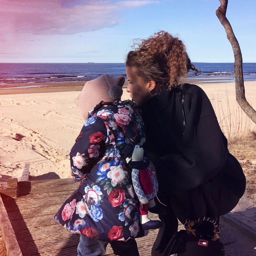 Инна Цимбалюк показала свою подросшую кудряшку-дочь