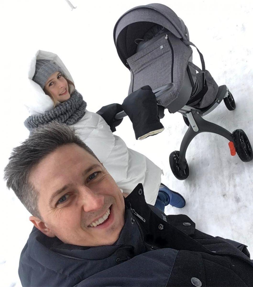 Александр Педан поделился семейным фото с новорожденным сыном