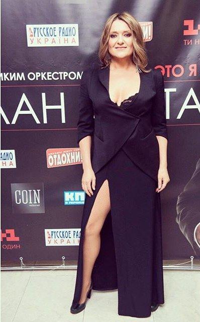 Как у Джоли: Наталья Могилевская примерила откровенный наряд