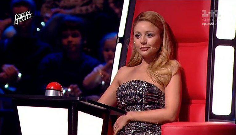 Образ недели: Тина Кароль в металлическом платье-бюстье