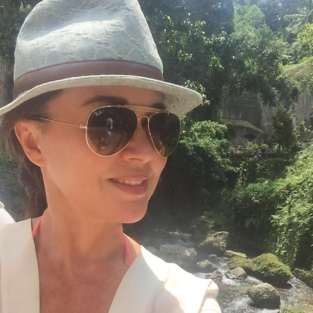 Несмотря на слухи про развод: Анастасия Заворотнюк отправилась с мужем в романтическое путешествие