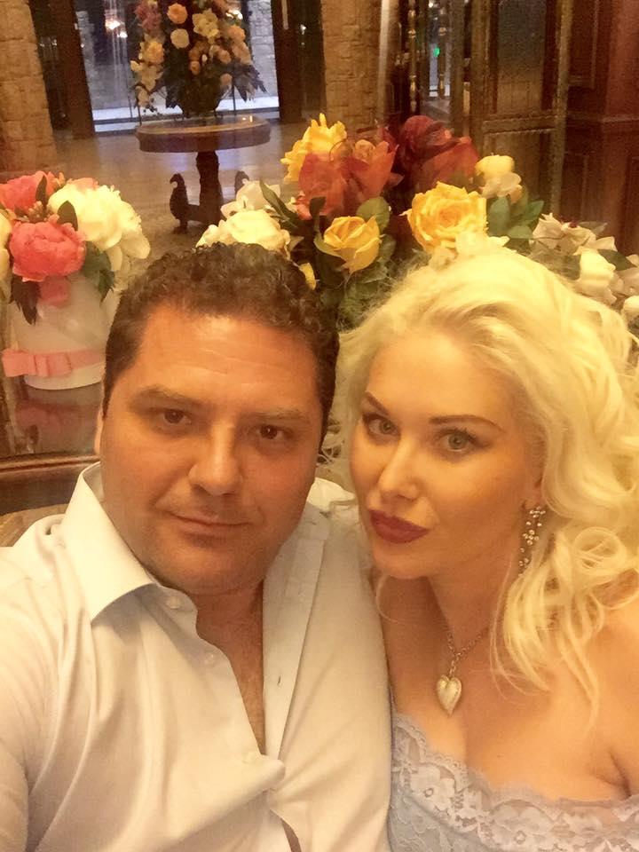 Фото двойни Екатерины Бужинской в вышивках взорвало сеть
