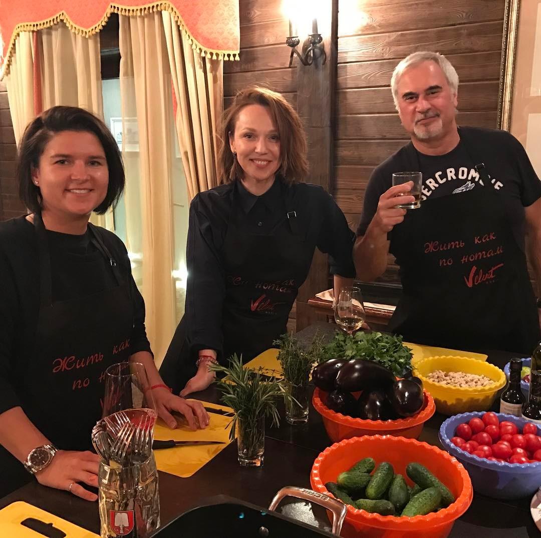 Семейная идиллия: фото Альбины Джанабаевой и Валерия Меладзе с домашней вечеринки