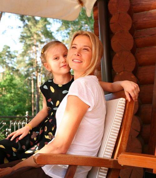 Юлия Высоцкая и Андрей Кончаловский: семейные фото с дочерью Марией и сыном Петром