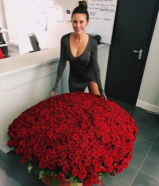 В сети появилось первое фото Анны Седоковой с женихом Артемом Комаровым
