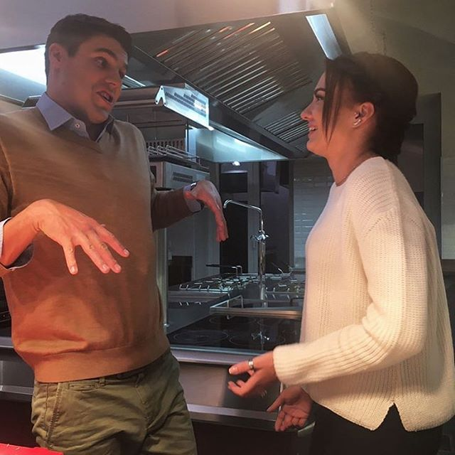 """Финалистка шоу """"Холостяк-7"""" Стелла резко ответила на вопросы о своих отношениях с Дмитрием Черкасовым"""