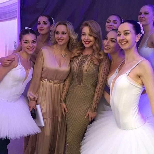Блондинки в кадре: Тина Кароль и Лилия Ребрик сфотографировались на свадьбе в Минске