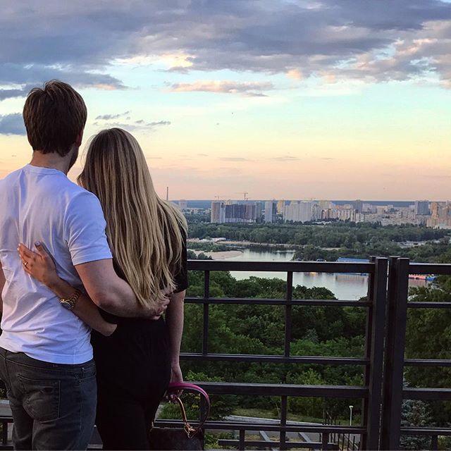 Ассоль Катя Гуменюк засыпала сеть нежными снимками со своим возлюбленным