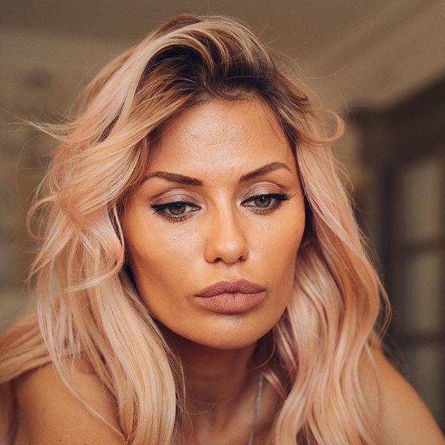 Без фотошопа и фильтров: 37-летняя Виктория Боня показала морщинки на своем лице