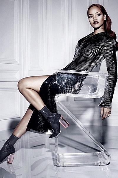 Загадочная Рианна блистает в новой фотосессии Dior