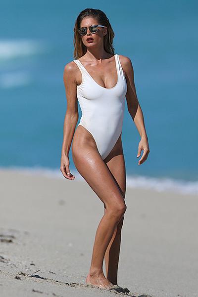 Эротика на пляже: бэкстейдж фотосессии Даутцен Крез в Майами