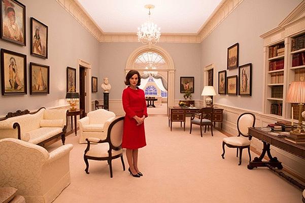 Удивительное сходство: в сети появились новые снимки Натали Портман в образе Жаклин Кеннеди