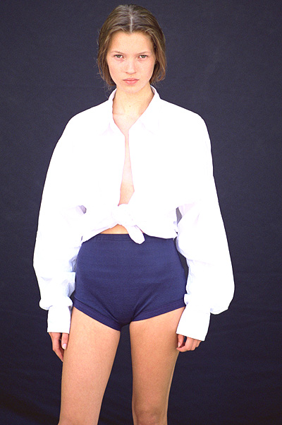 Юна и прекрасна: в сеть попали снимки первой фотосессии Кейт Мосс