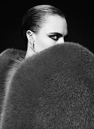 Стильно и роскошно: Кара Делевинь блистает в рекламе Saint Laurent