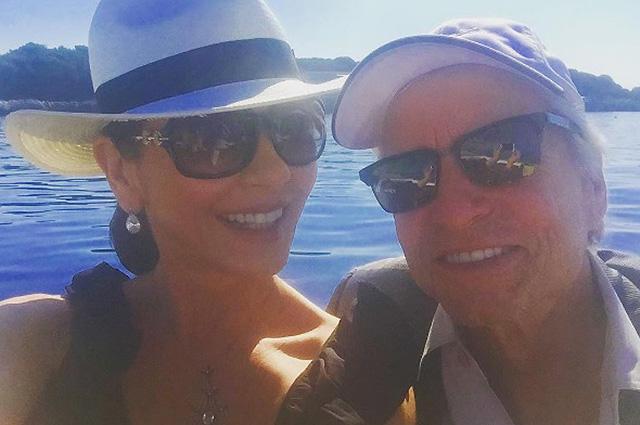 46-летняя Кэтрин Зета-Джонс поделилась фото с бикини