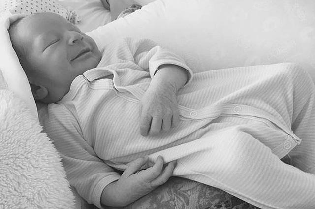 Кэндис Свейнпол опубиковала первое фото новорожденного сына