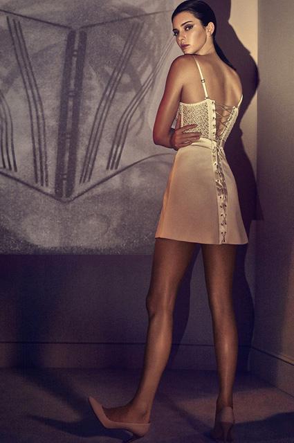 Кендалл Дженнер снялась в соблазнительной рекламе новой коллекции белья
