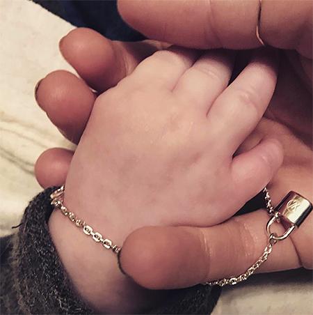 Ксения Собчак и Максим Виторган опубликовали первое видео с сыном