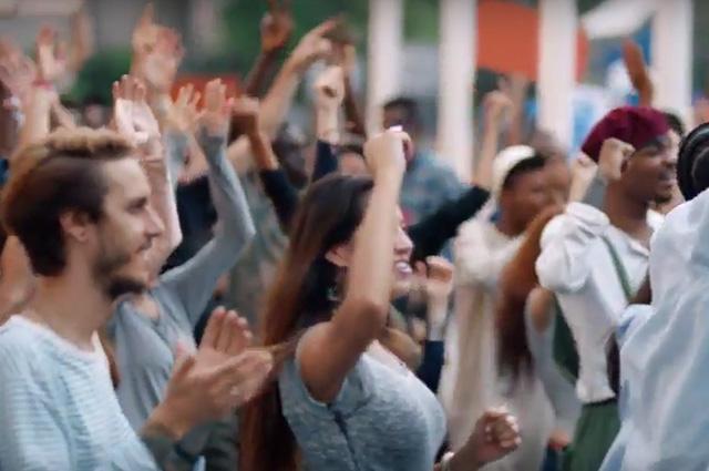 Скандал с рекламой Pepsi: компания удалила ролик с Кендалл Дженнер