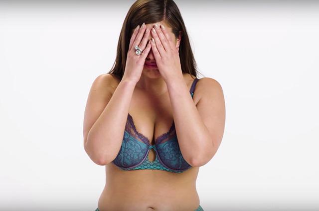 Эшли Грэм расплакалась во время съемки в нижнем белье