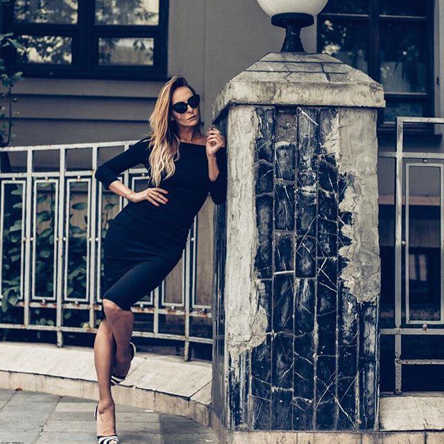 Слишком худая: поклонники раскритиковали фигуру Кати Варнавы на фото топлесс