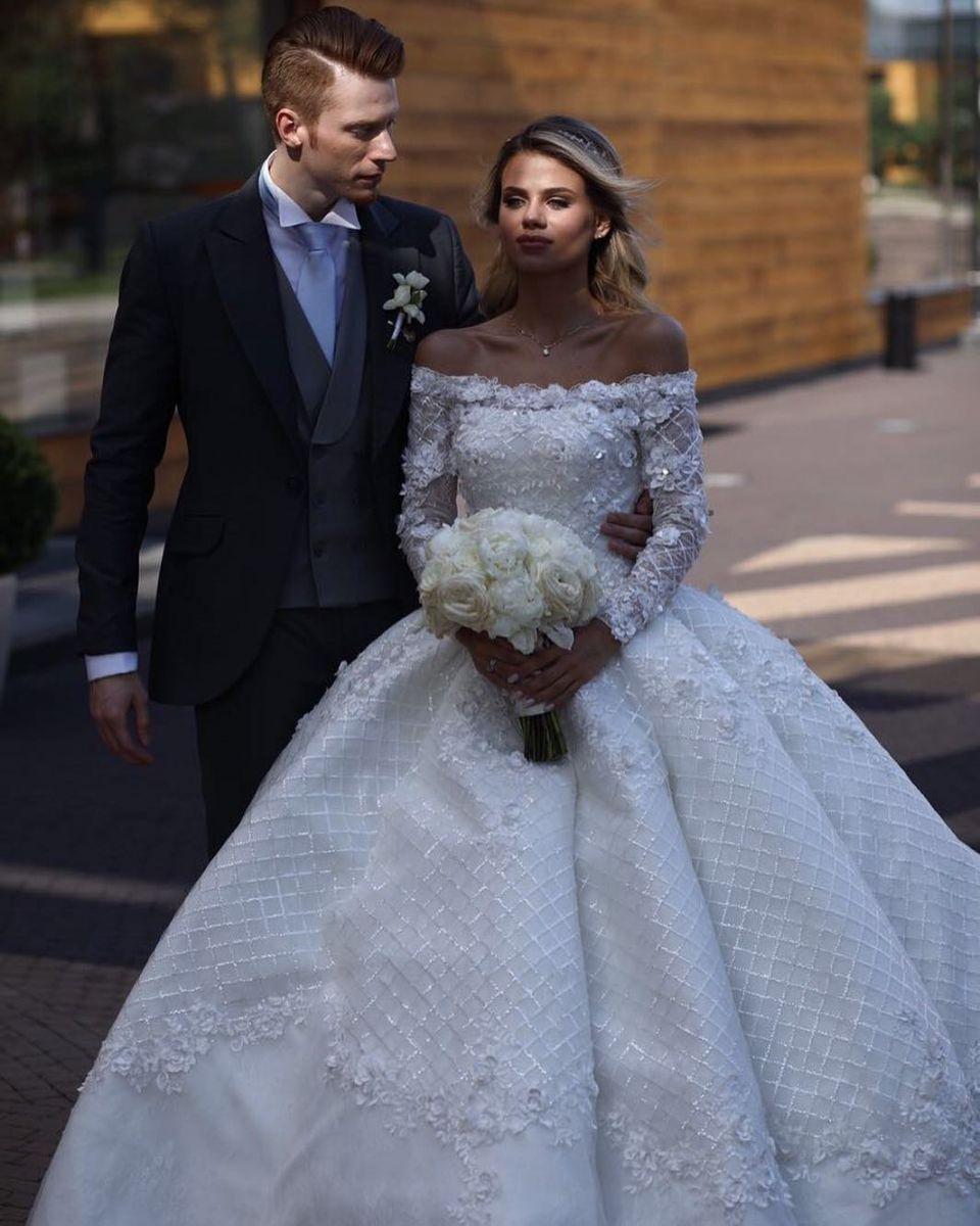 фото звезд со свадьбы никиты преснякова кружит