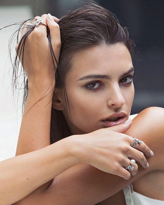 Откровенность в моде: Instagram Stories Эмили Ратаковски побили все рекорды популярности
