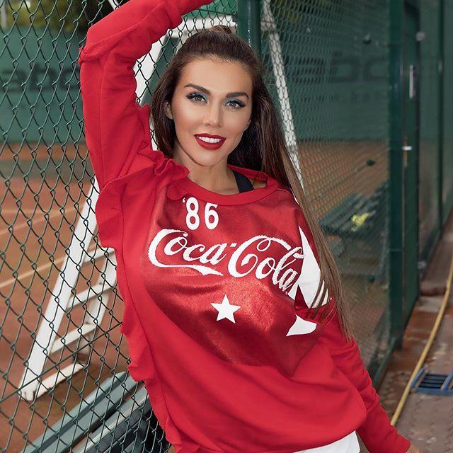 Анна Седокова назвала причины расставания с 25-летним возлюбленным Артемом Комаровым