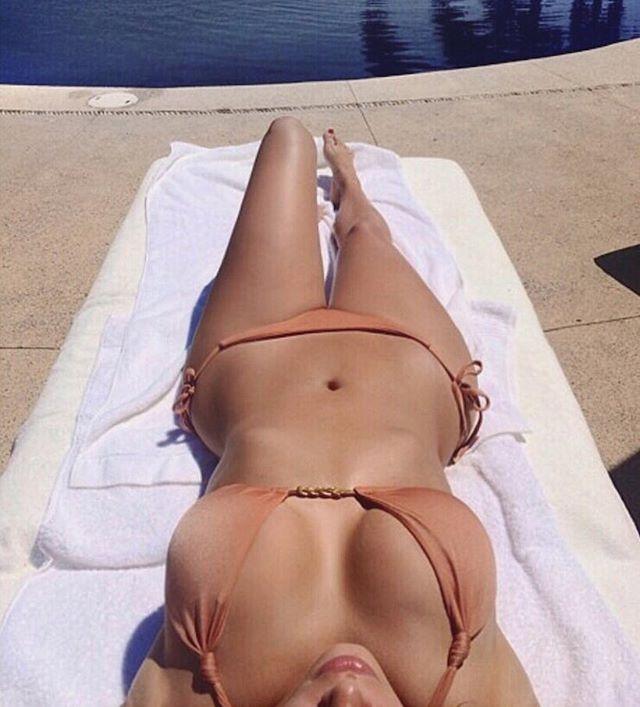 Какое тело: Ким Кардашьян вновь вернулась к откровенным снимкам