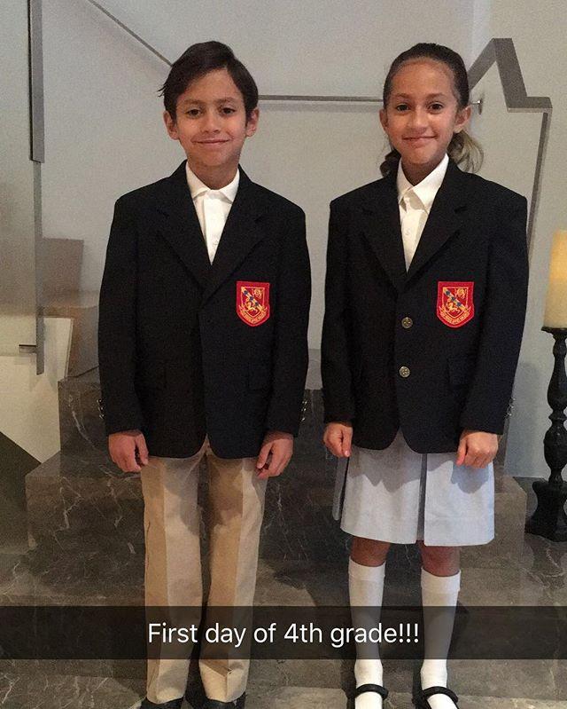Стильные школьники: Дженнифер Лопес показала подросших детей