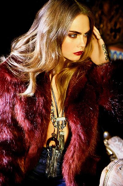 Кара Делевинь соблазняет в гламурной фотосессии для бразильского бренда