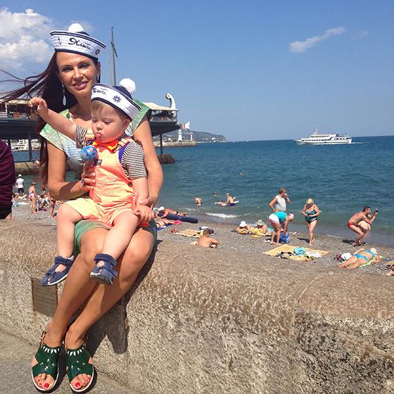 Эвелина Бледанс отдыхает в Крыму
